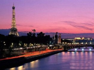 巴黎塞納河畔